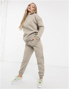 ENSEMBLE SWEATER + PANTALON EN BEIGE NUDE