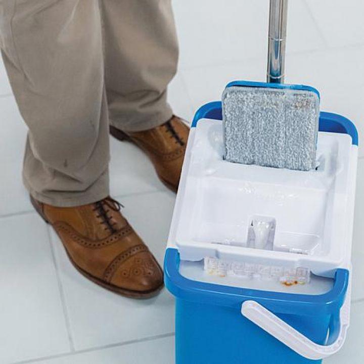 مجموعة أدوات غسيل الأرضيات العازلة