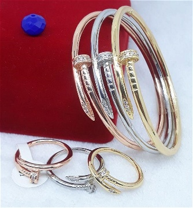 3 Bracelets Cartier Clou Avec Bagues