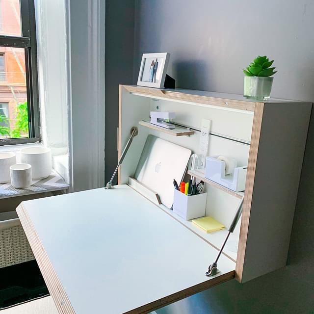 مكتب معلق قابل للطي من أجل توفير المساحة