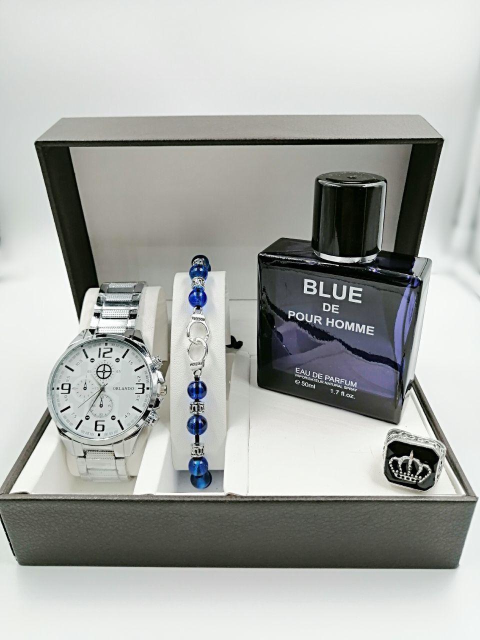 باك الرجل الأنيق مع ساعة اورلاندو الفضية