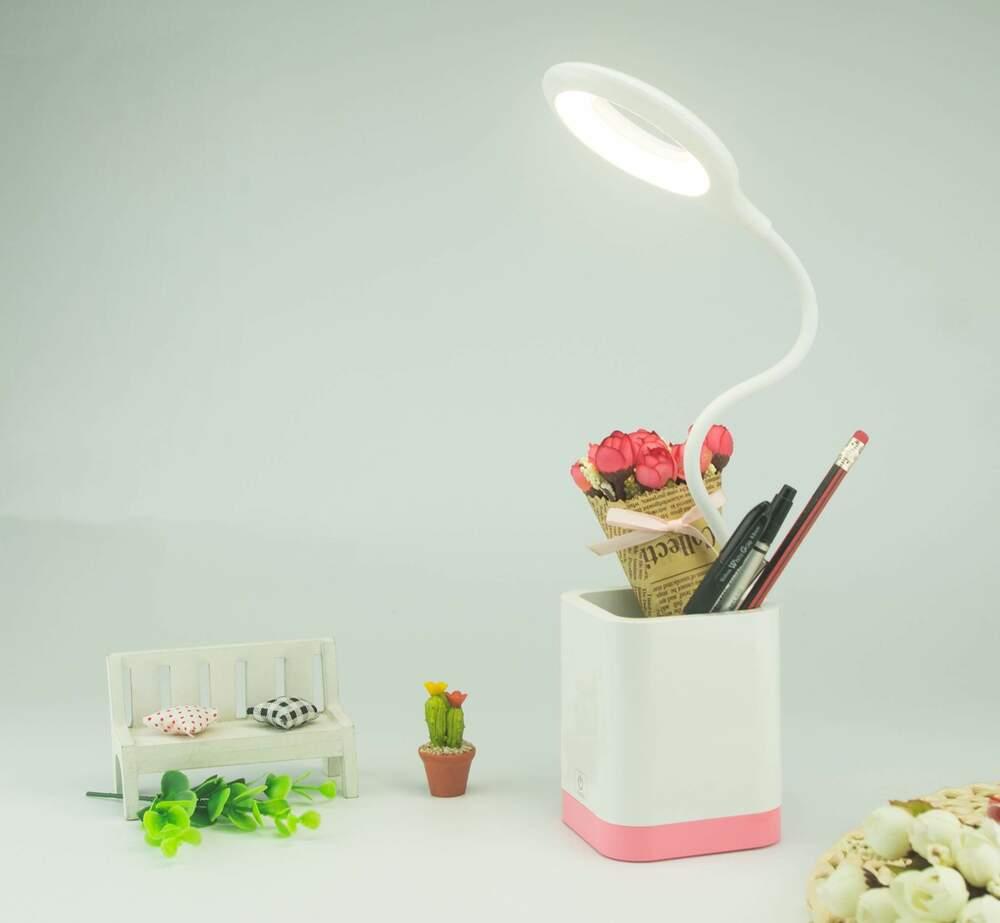 منظم أقلام LED