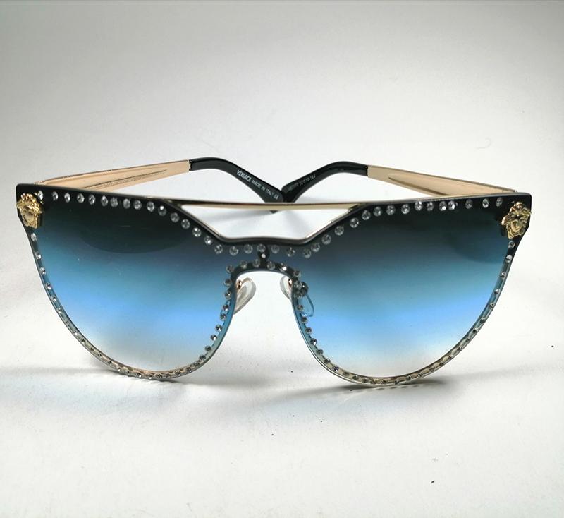 نظارات شمسية من النوع الممتاز
