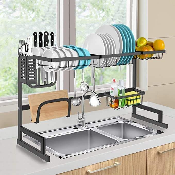 رف تنظيم الأطباق و تجفيفها موفر للمساحة يحافظ على مطبخك أنيقاً ومرتبا