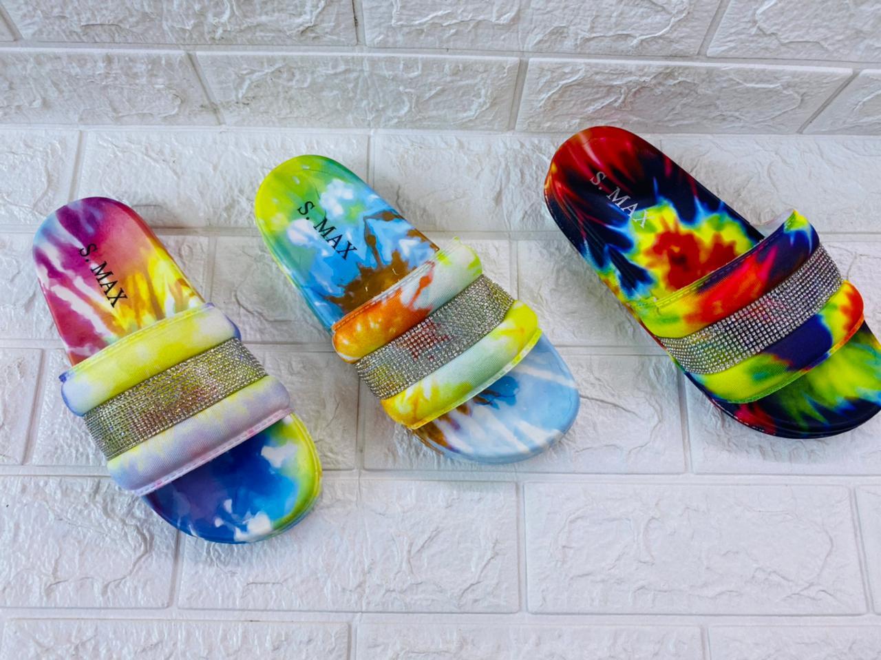 Sandale Tendance en couleur