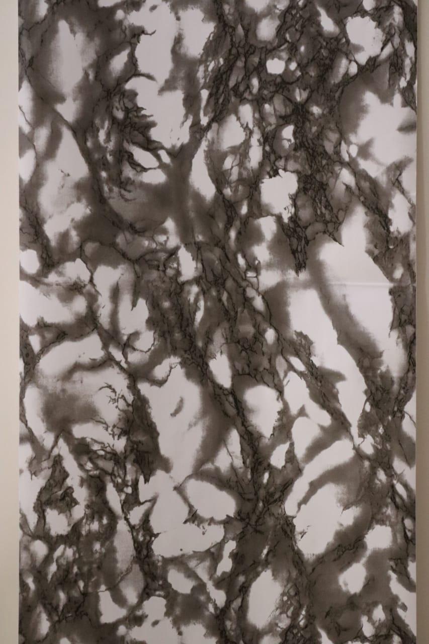 0619421241     Papier peint adhesif motif marbre