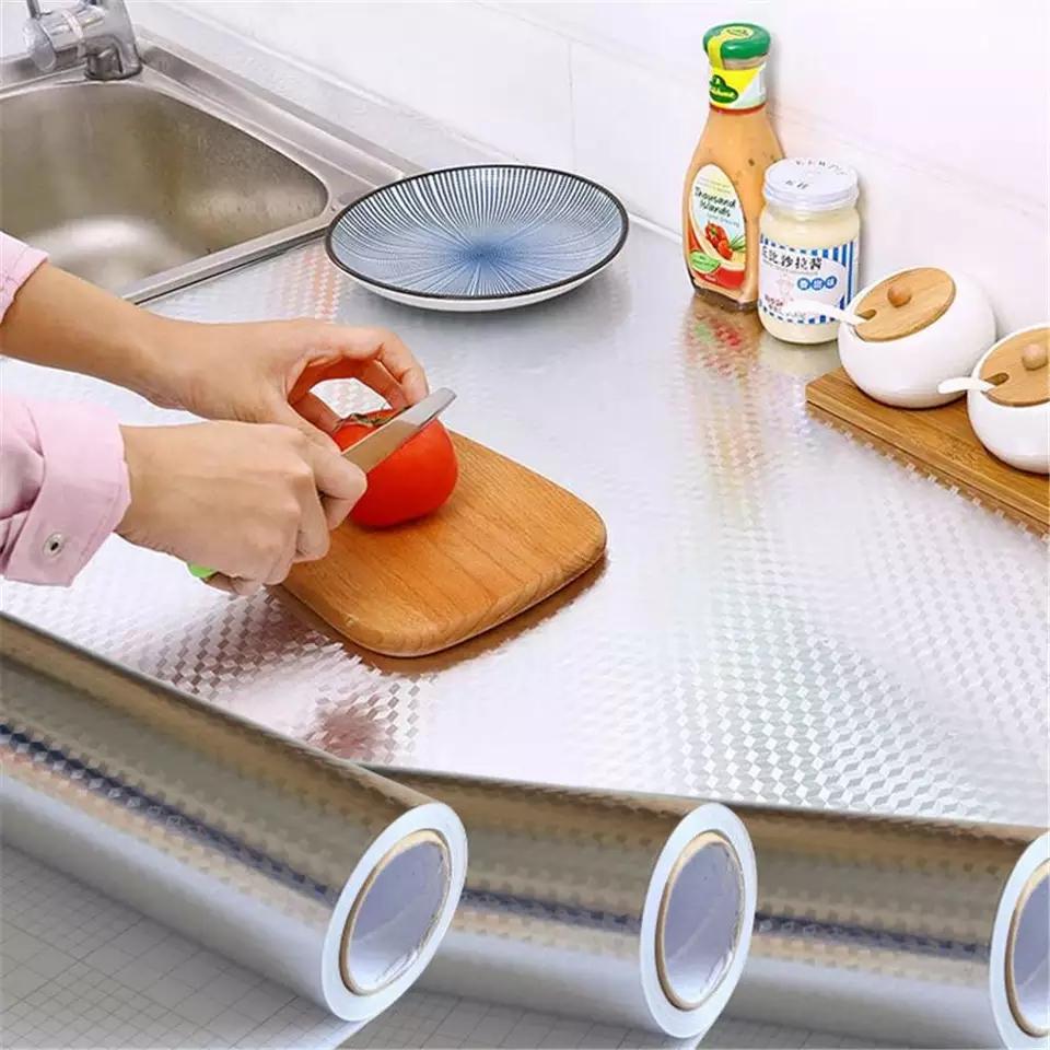 Rouleau imperméable métallisée résistant a la chaleur 5Metr ×60  cm pour cuisine et comptoir